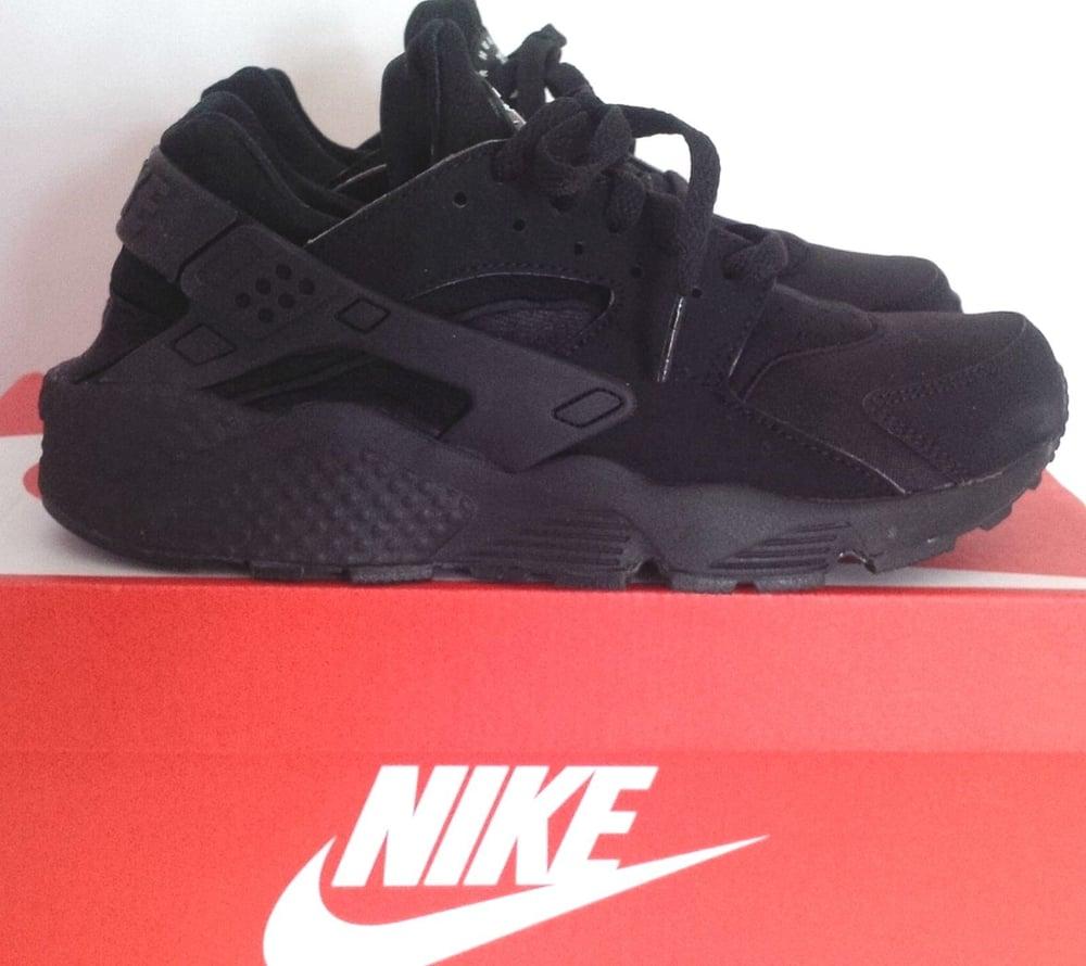 cheaper 797b9 0102b Image of Nike Huarache Triple Black