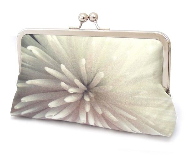 Image of Star flower clutch