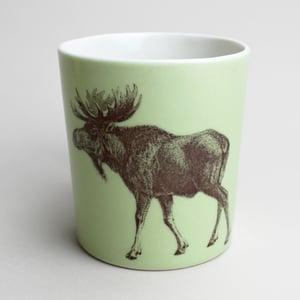 Image of 16oz mug with moose, avocado