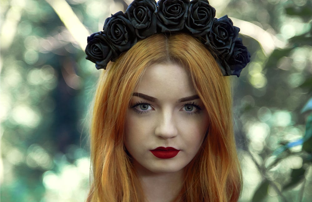 Image of Blooming Rose Crown Black