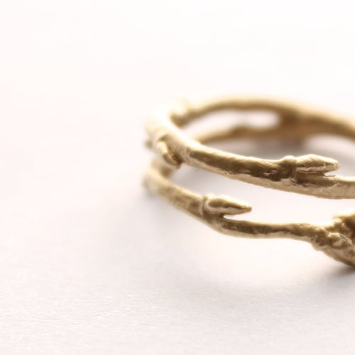 Image of 9ct gold Arctic twig ring