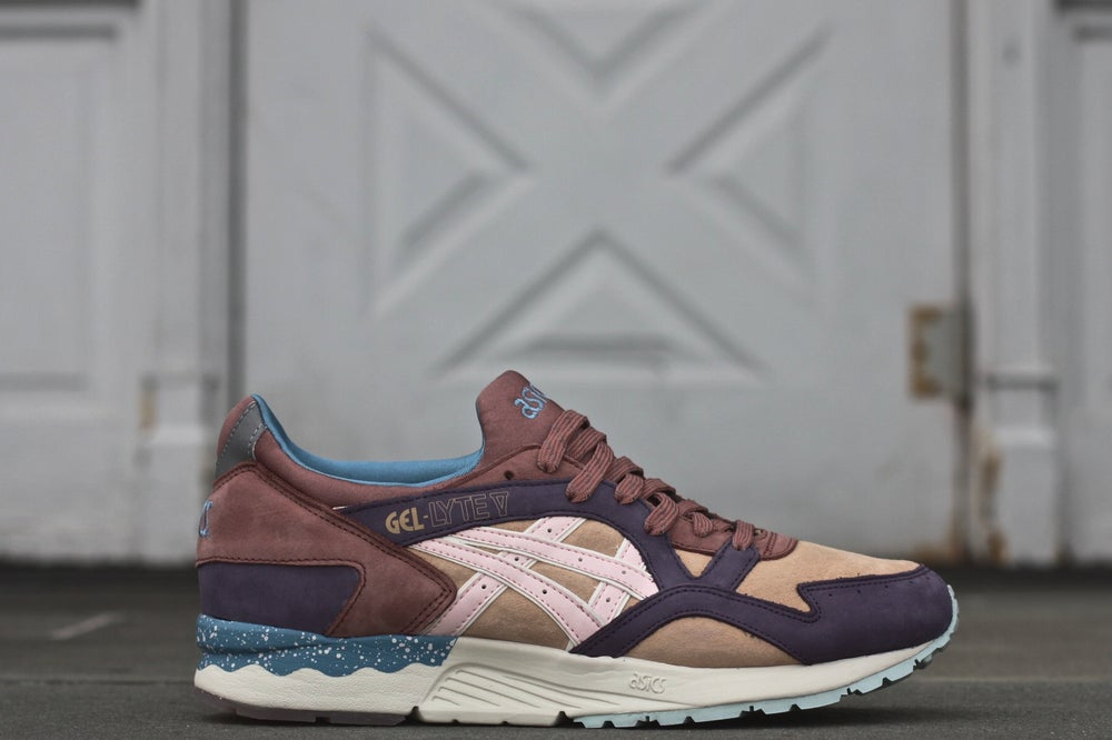 "Image of ASICS GEL LYTE V X OFFSPRING ""DESERT PACK"""