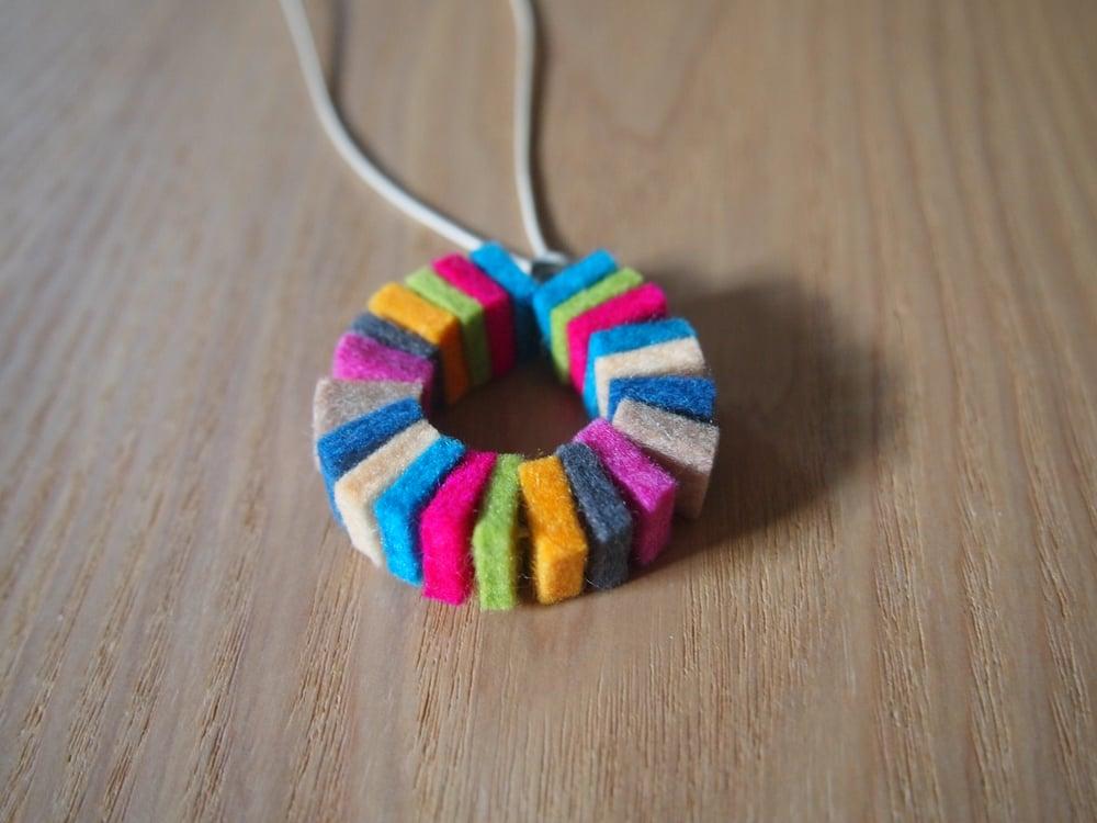 Image of 100% Wool Felt Necklace no.4
