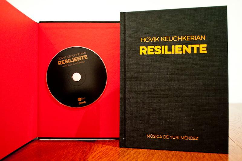 Image of Resiliente. Hovik Keuchkerian.