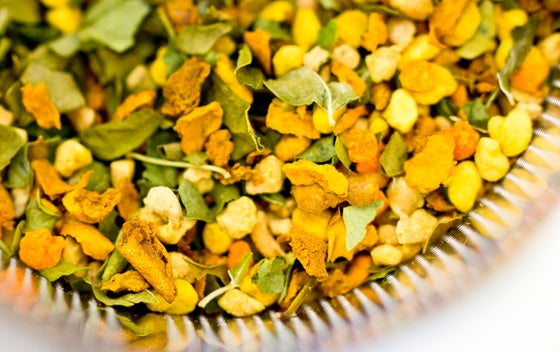 Image of 100% Organic Moringa, Turmeric & Bee Pollen Herbal Tea 70g