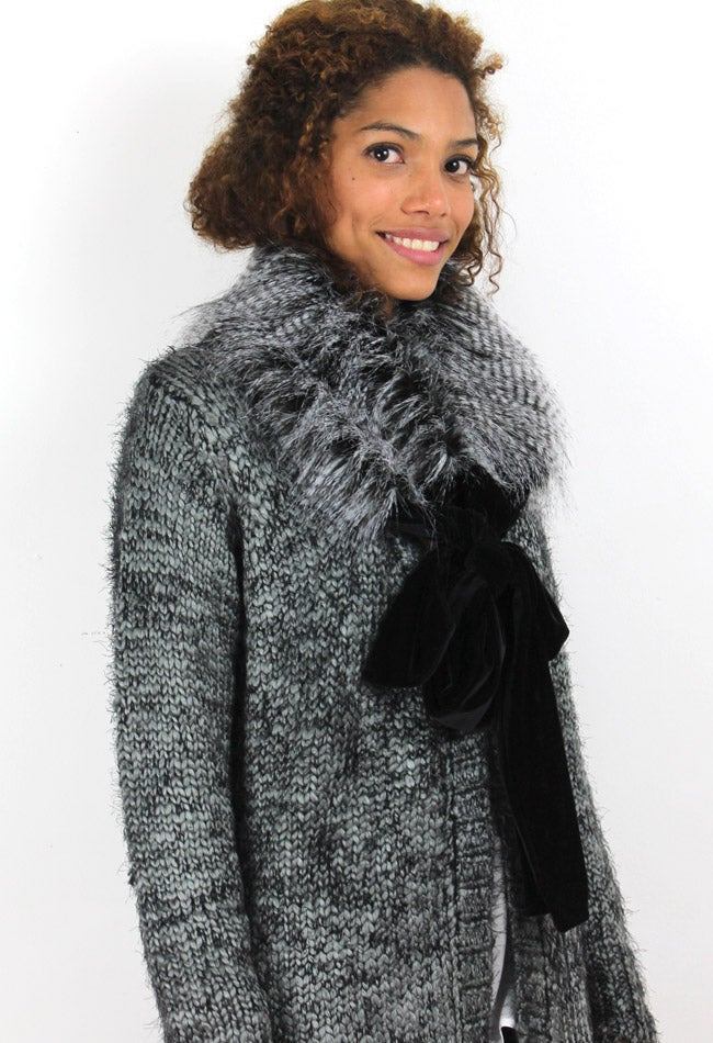 Image of FAUX FUR COLLAR