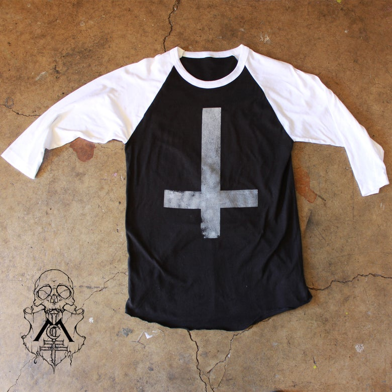 Image of Stone-Textured Inverted Cross Raglan
