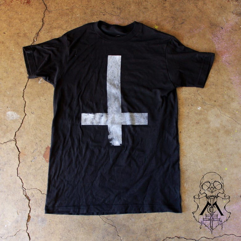 Image of Men's BLACK Upside-Down Cross T-Shirt