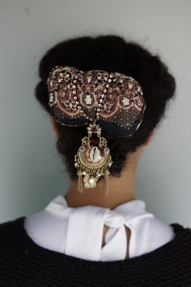 Image of Orient Headpiece on Comb
