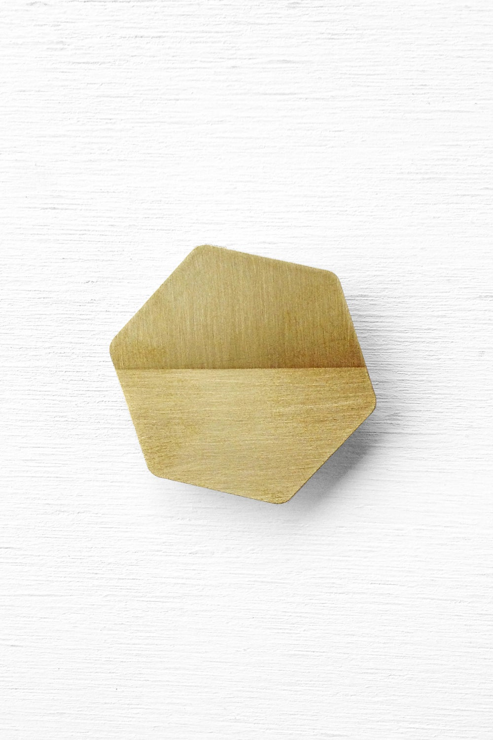 Image of ho•ri•zon: The intersection of the Earth and sky - Brooch