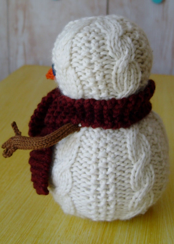 Image of Oatmeal The Snowman Knitting Pattern