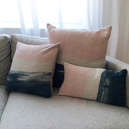 Image of LOT 16 - CUSHIONS