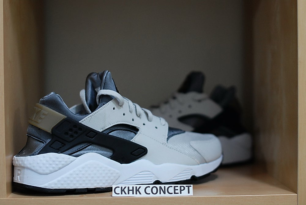 reputable site b0515 26a0c NIKE HUARACHE - ASH GREY