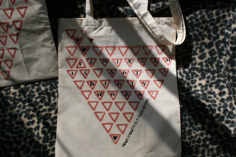 "Image of ""Feminism is not a dirty word"" Tote bag"