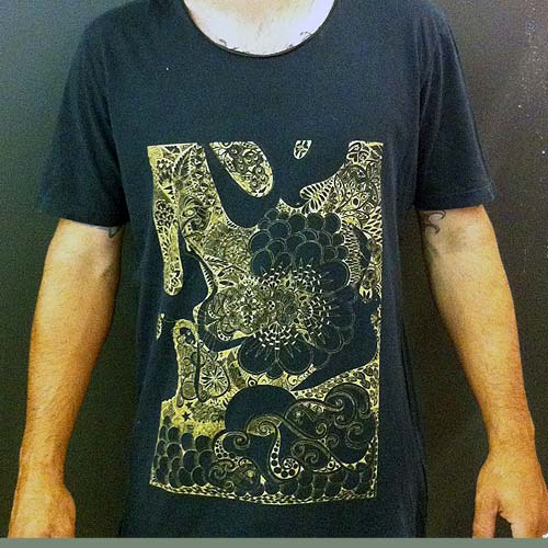 Image of Lady flies with birds - charcoal mens 2