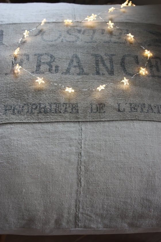 "Image of Coussin chanvre, "" La Poste France ""."
