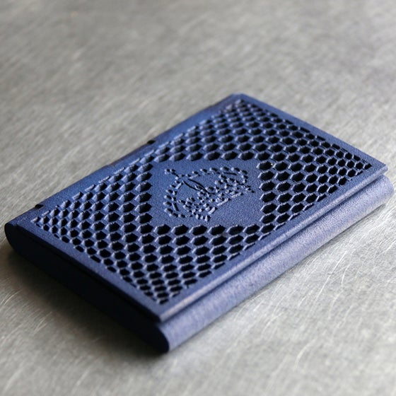 Image of 3D printed cardholder myKEES CROWN