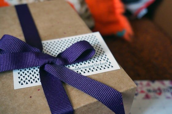 Image of BOX #3 . FEVRIER . PRETTY PURPLE