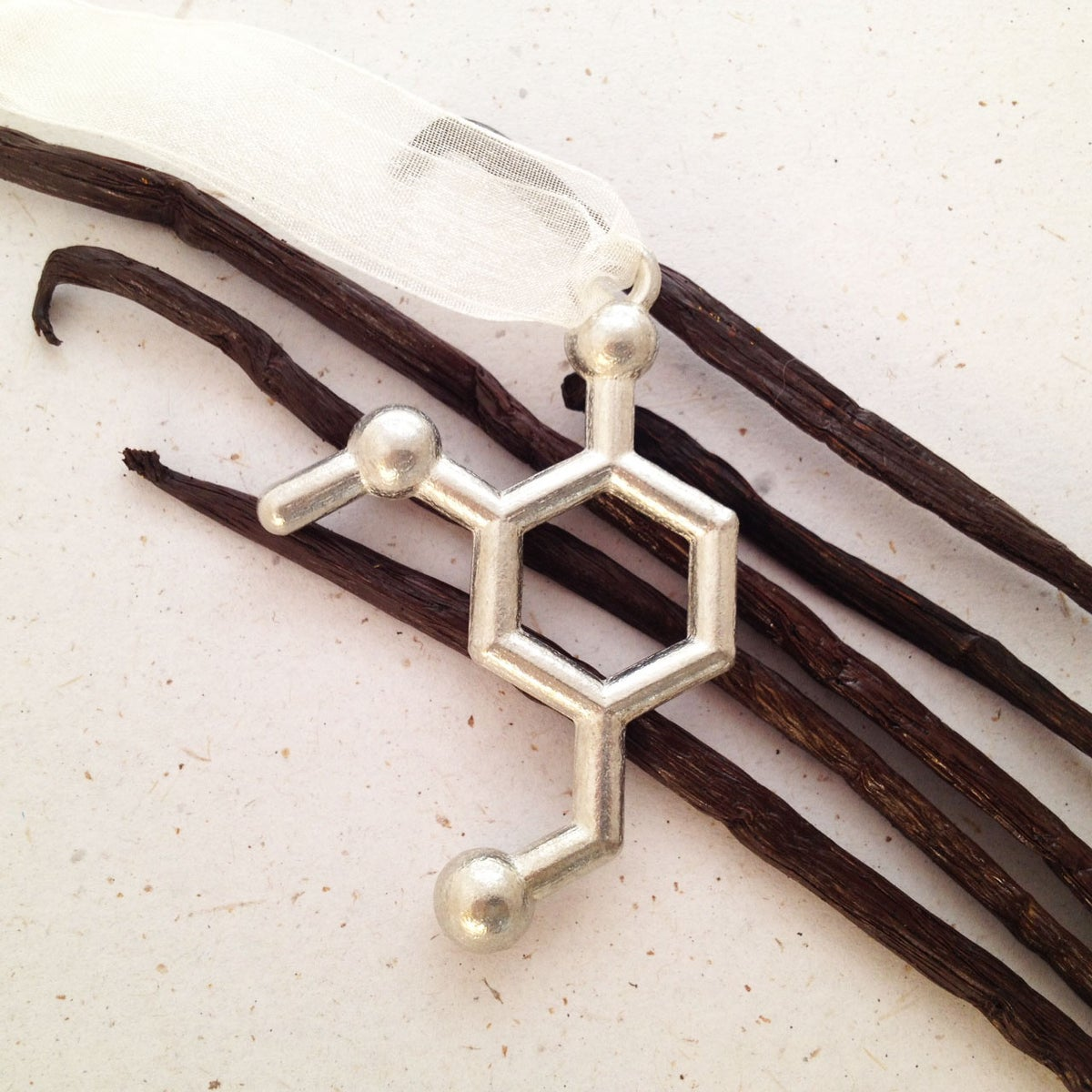 Image of vanillin ornament for 2014