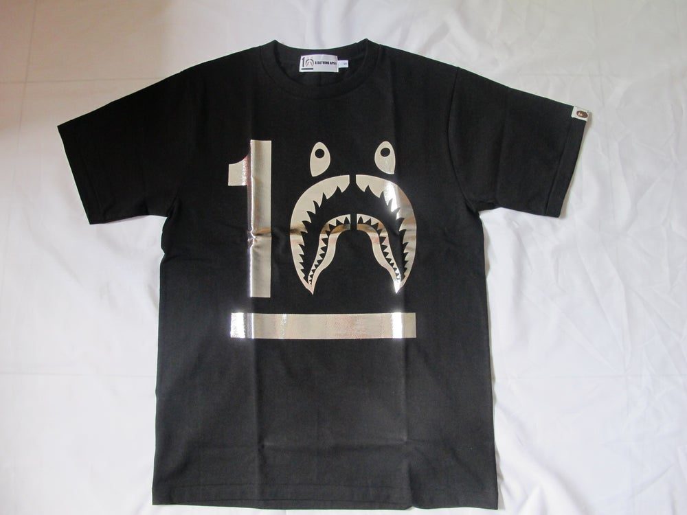 Image of (A Bathing Ape) Bape - 10 YEARS SHARK (Black/Silver)