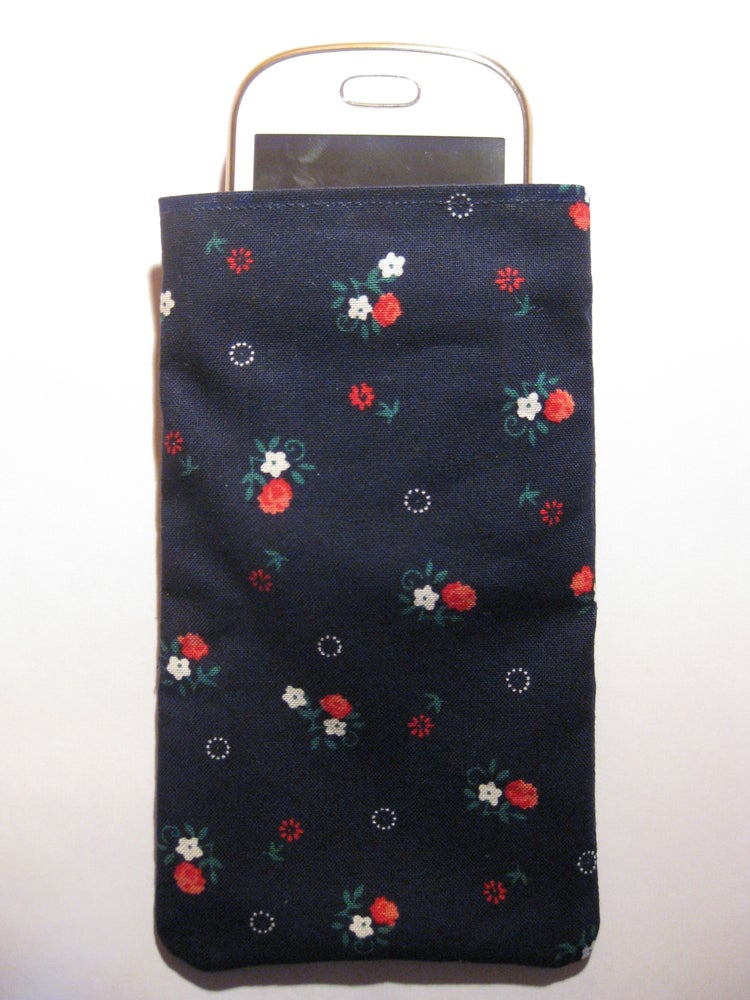 Image of Cute Flowers on blue - Mobile Phone Pouch