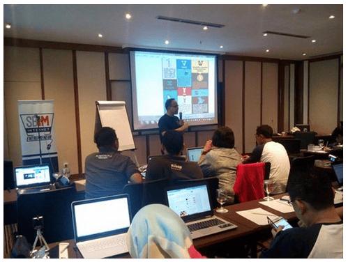 Image of kelas belajar internet marketing untuk pemula di surabaya