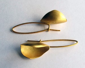 Image of 18ct gold plated pod earring