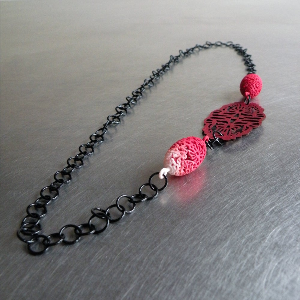 Image of 3D printed and lasered small necklace OVAL 2.floral