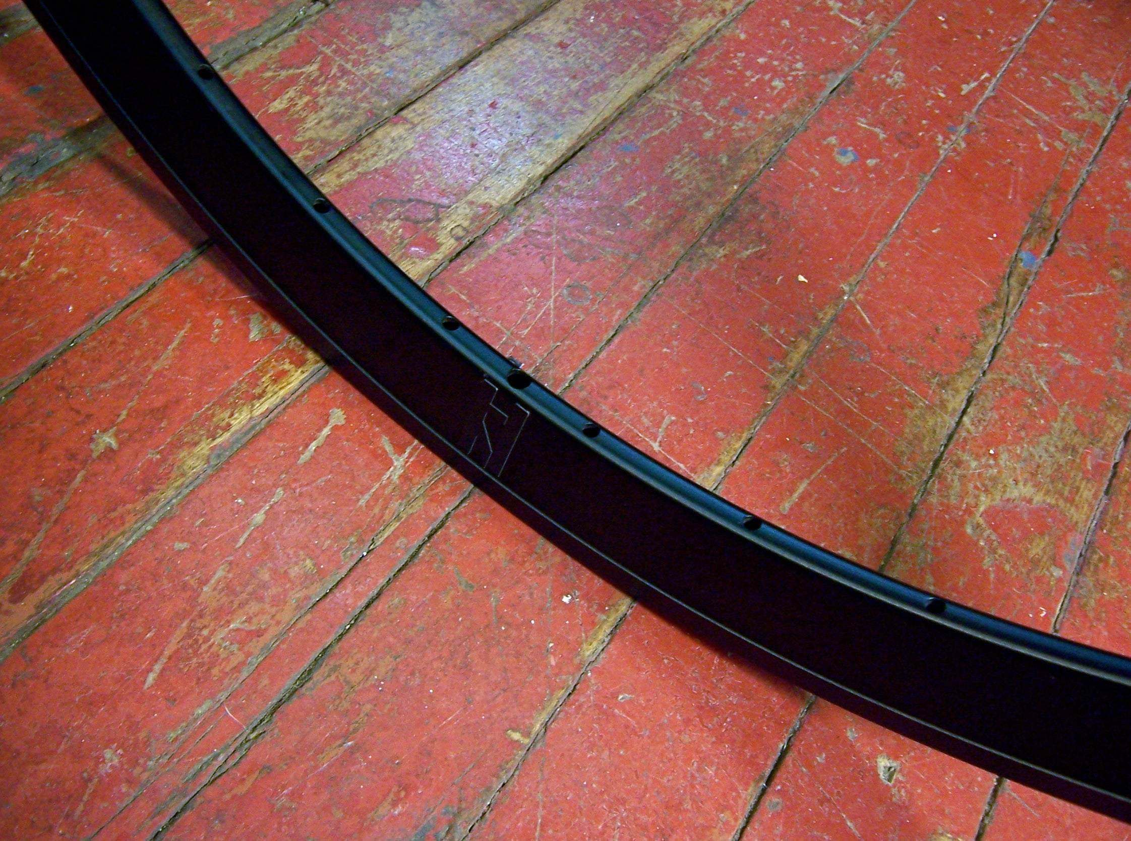 Black 700c 28h H Plus Son SL42 Rim