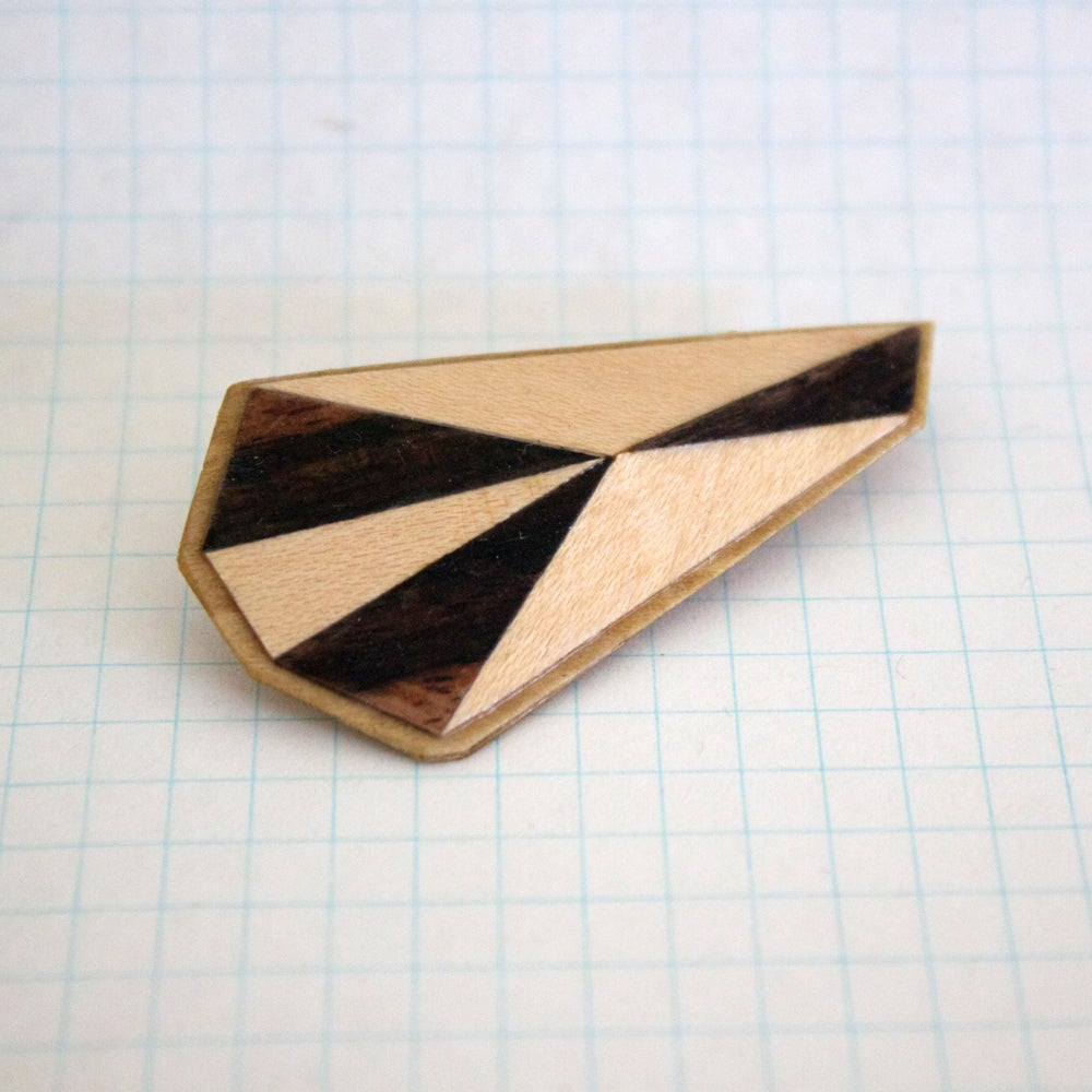 Image of Wooden Polytope Brooch No.16