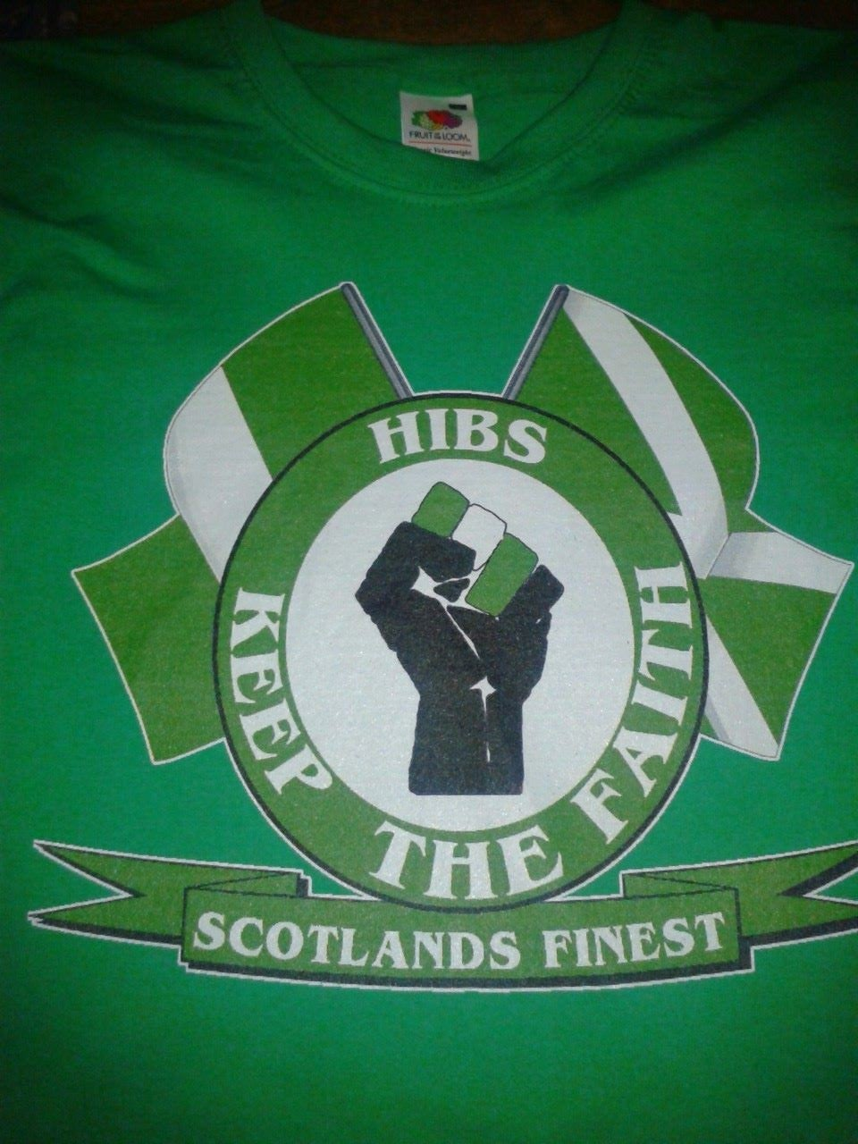 Hibs, Hibernian, Keep The Faith with Flags T-Shirt.