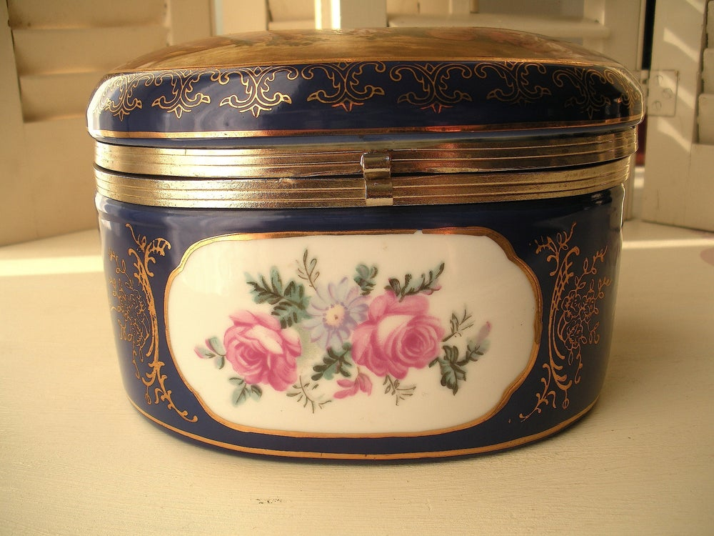 Image of Baroque Porcelain Box