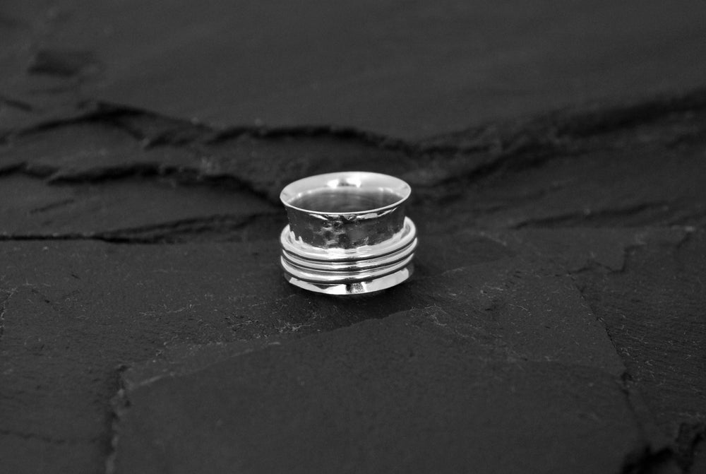 Image of Stressring with 3 rings in silver plated brass
