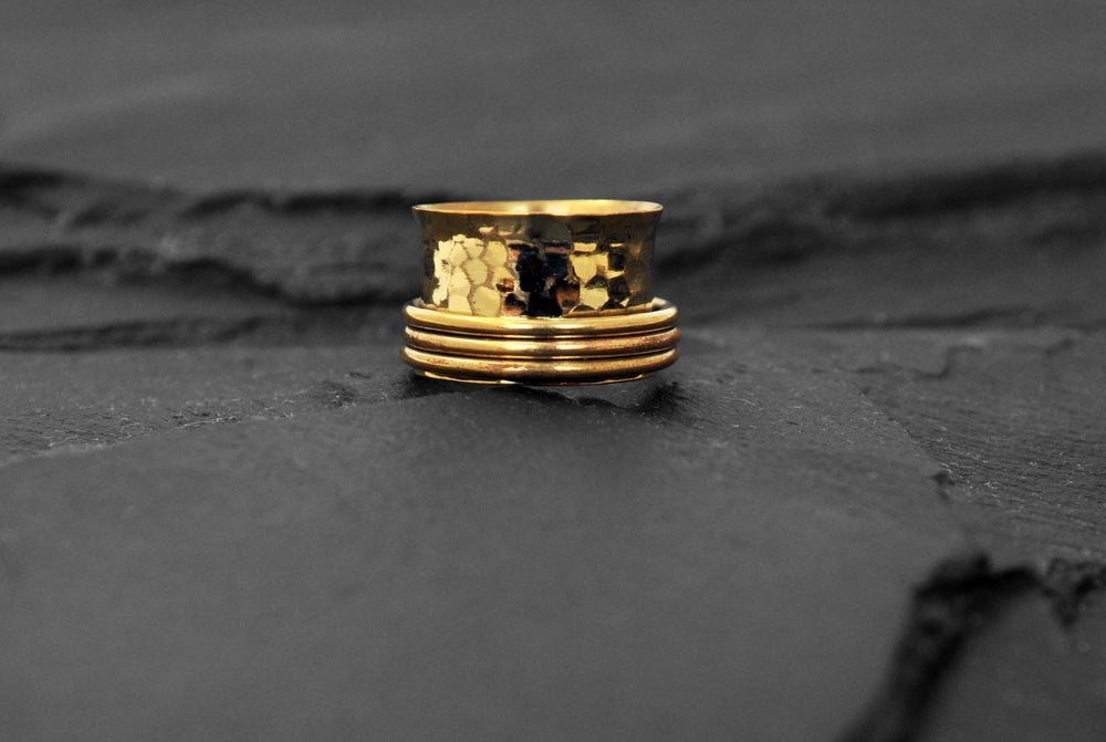 Image of Stressring with 3 rings in brass
