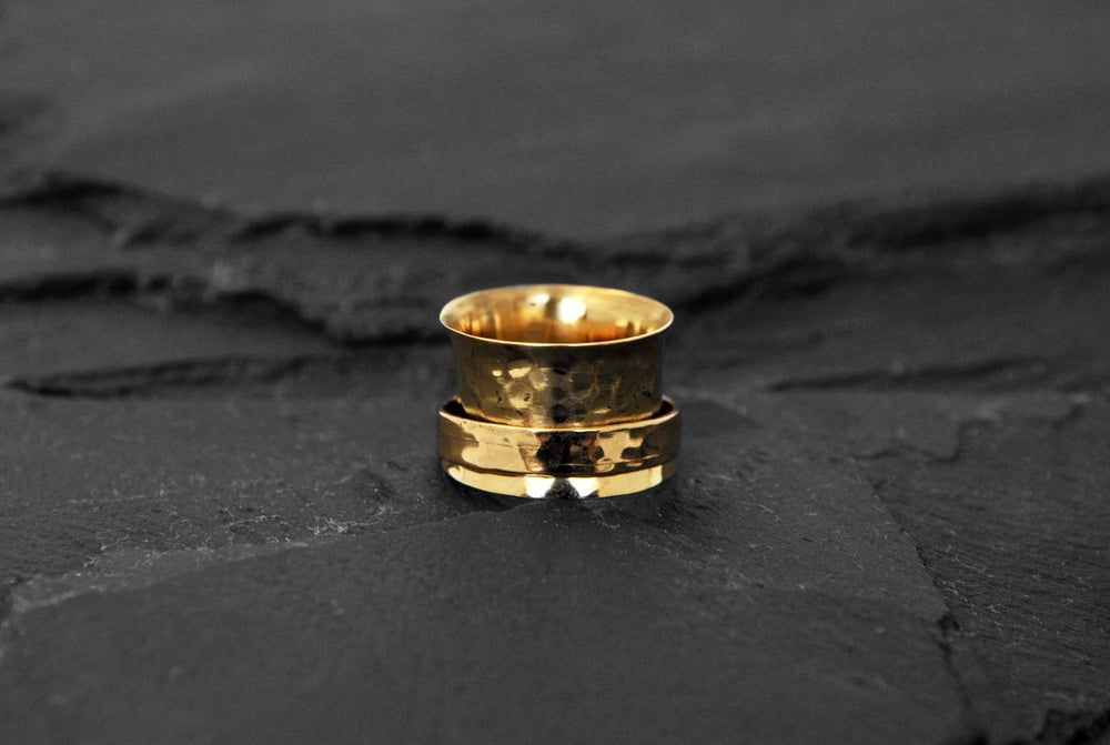 Image of Stressring with band in brass