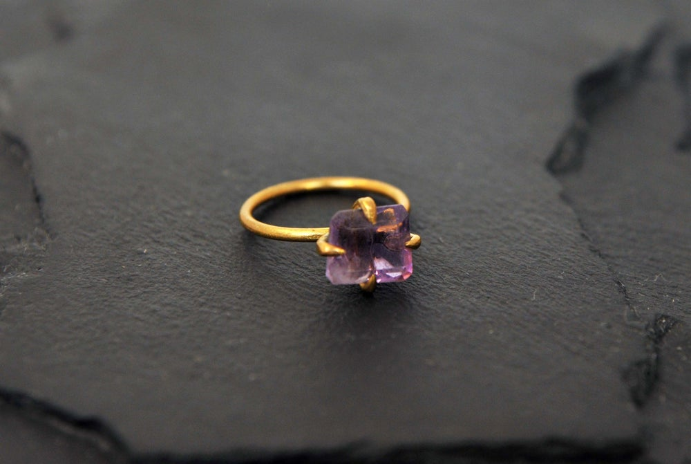 Image of Clawring with amethyst
