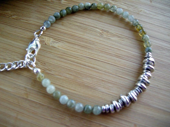 Image of Clarifying Labradorite Bracelet