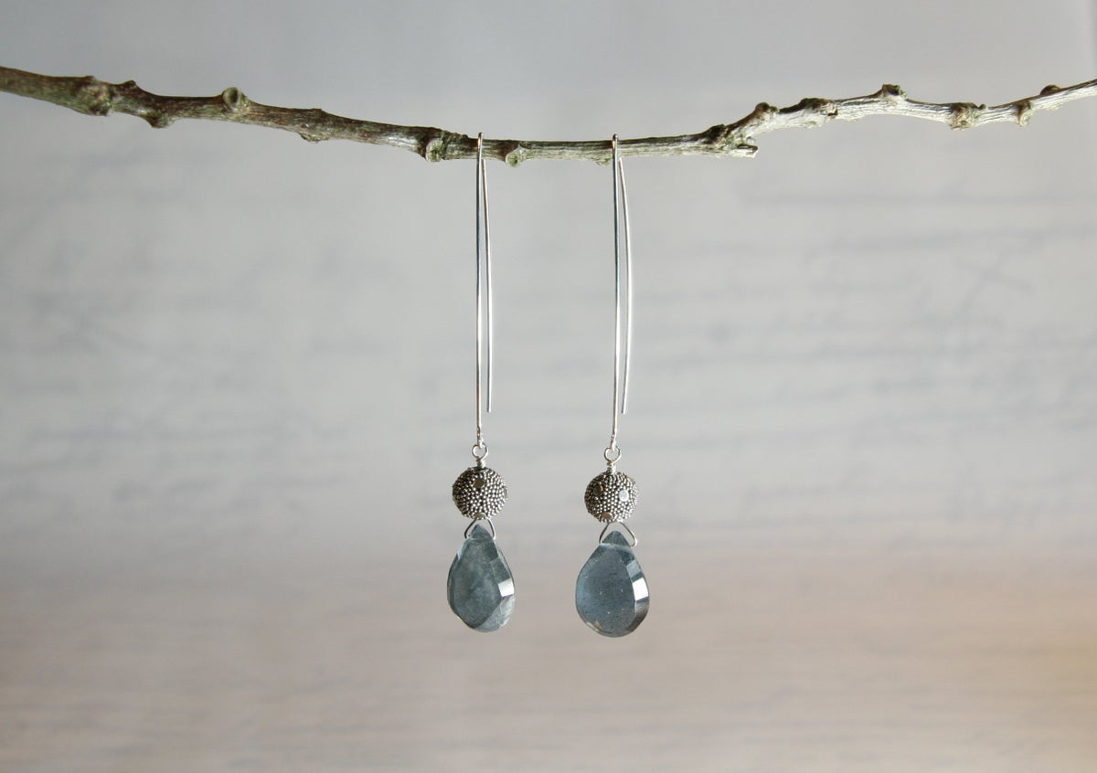 Moss Aquamarine Heart Earrings