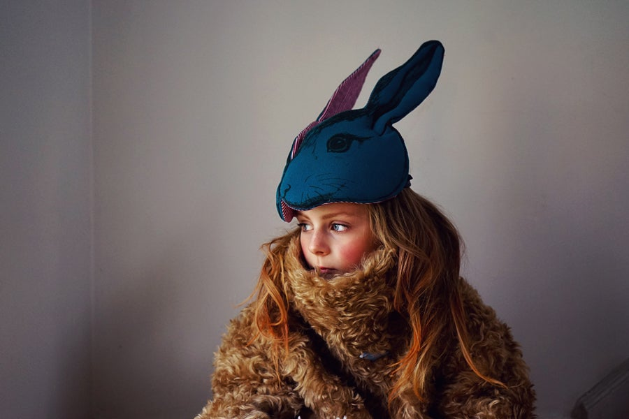 "Image of Masque ""Animalesque"" de Sara Lowes. Lapin bleu"