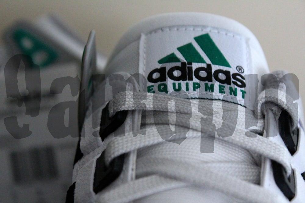 "Image of Adidas EQUIPMENT RUNNING SUPPORT ""EQT"" (WHITE)"