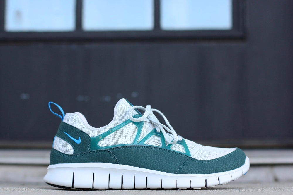 Image of NIKE FREE HUARACHE LIGHT ATOMIC TEAL