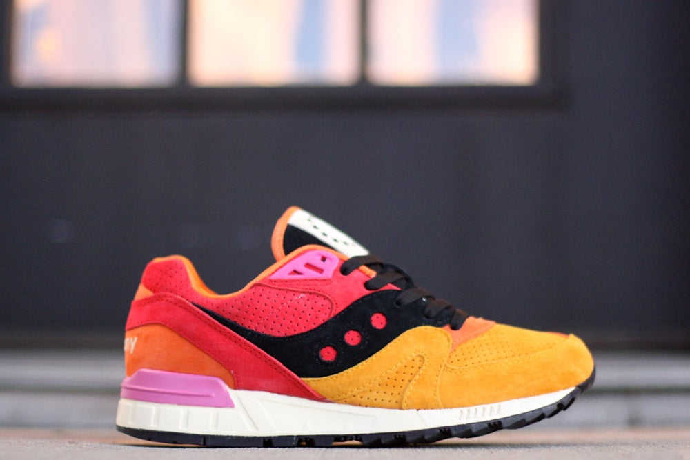 "Image of SAUCONY SHADOW MASTER X UBIQ ""PACIFIC SUNRISE"" S70187-1"