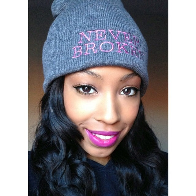 "Image of NEVER BROKEN ""Classic"" Skully"