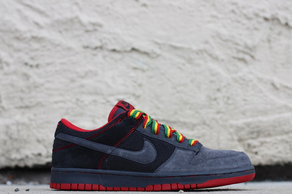 "Image of NIKE DUNK LOW CL ""BLACK HEMP"" 2007"