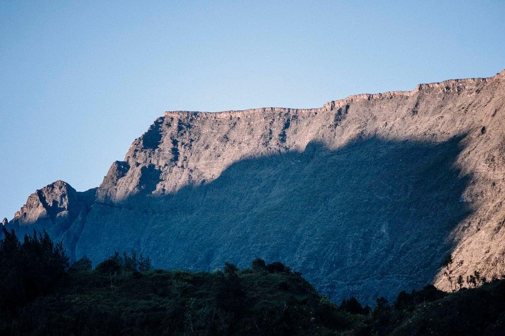 Image of Ombre portée du Piton des Neiges sur le Bénare