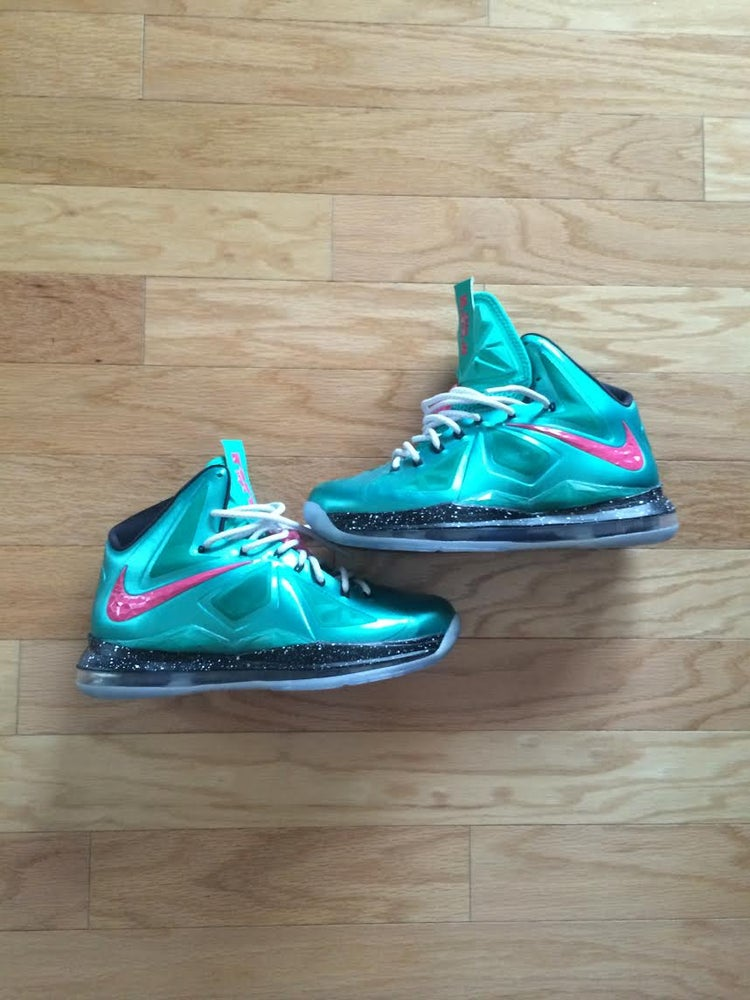 Risorse perdita maldestro  Nike Lebron 10 Custom ID