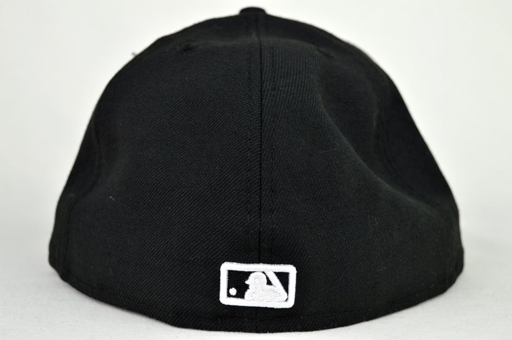 Image of TORONTO BLUE JAYS CUSTOM BLACK/WHITE NEW ERA 5950 FITTED CAP