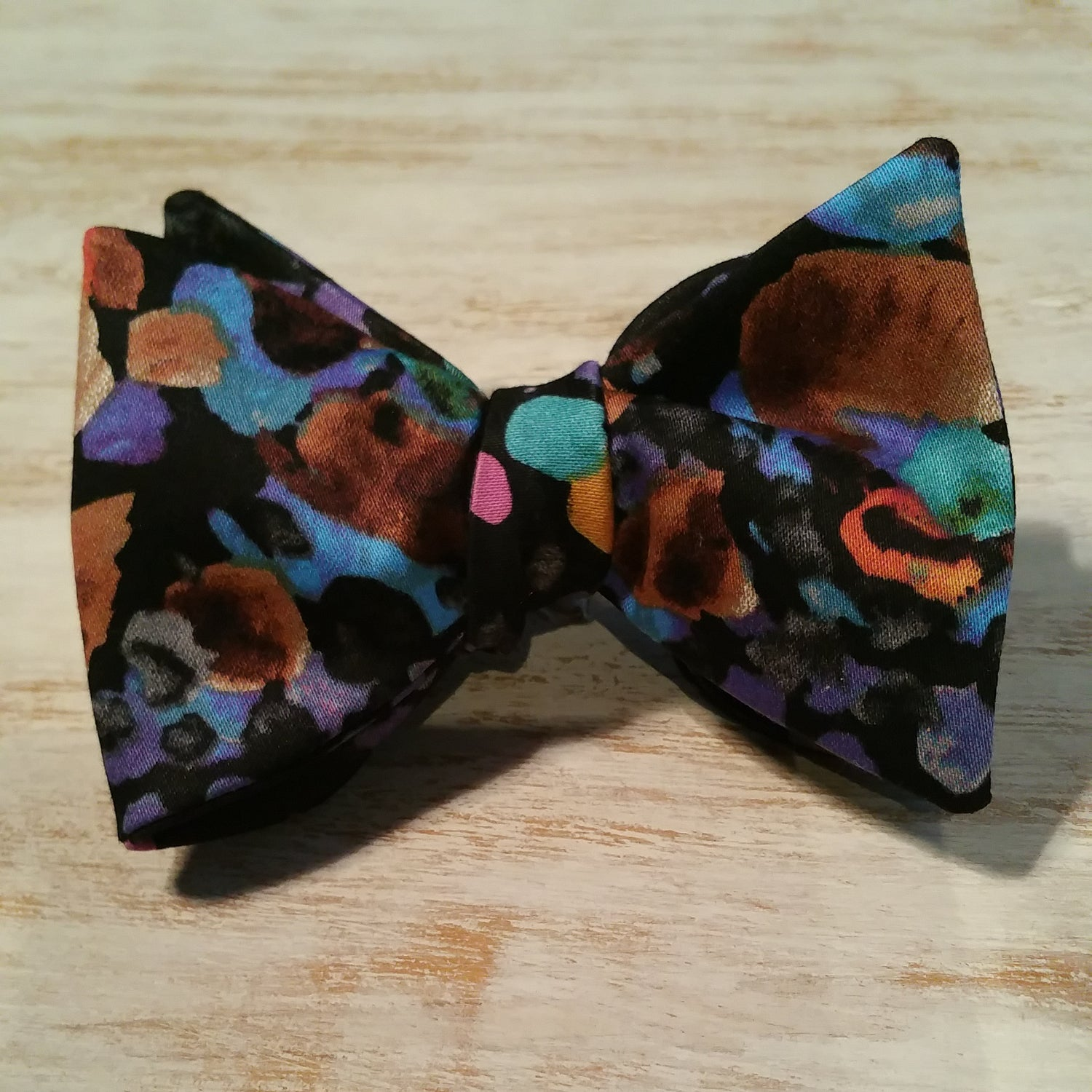 Image of WOODSTOCK SELF BOW TIE