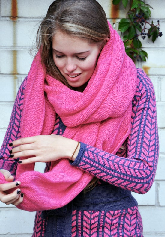 Image of Sleeve scarf medium pink