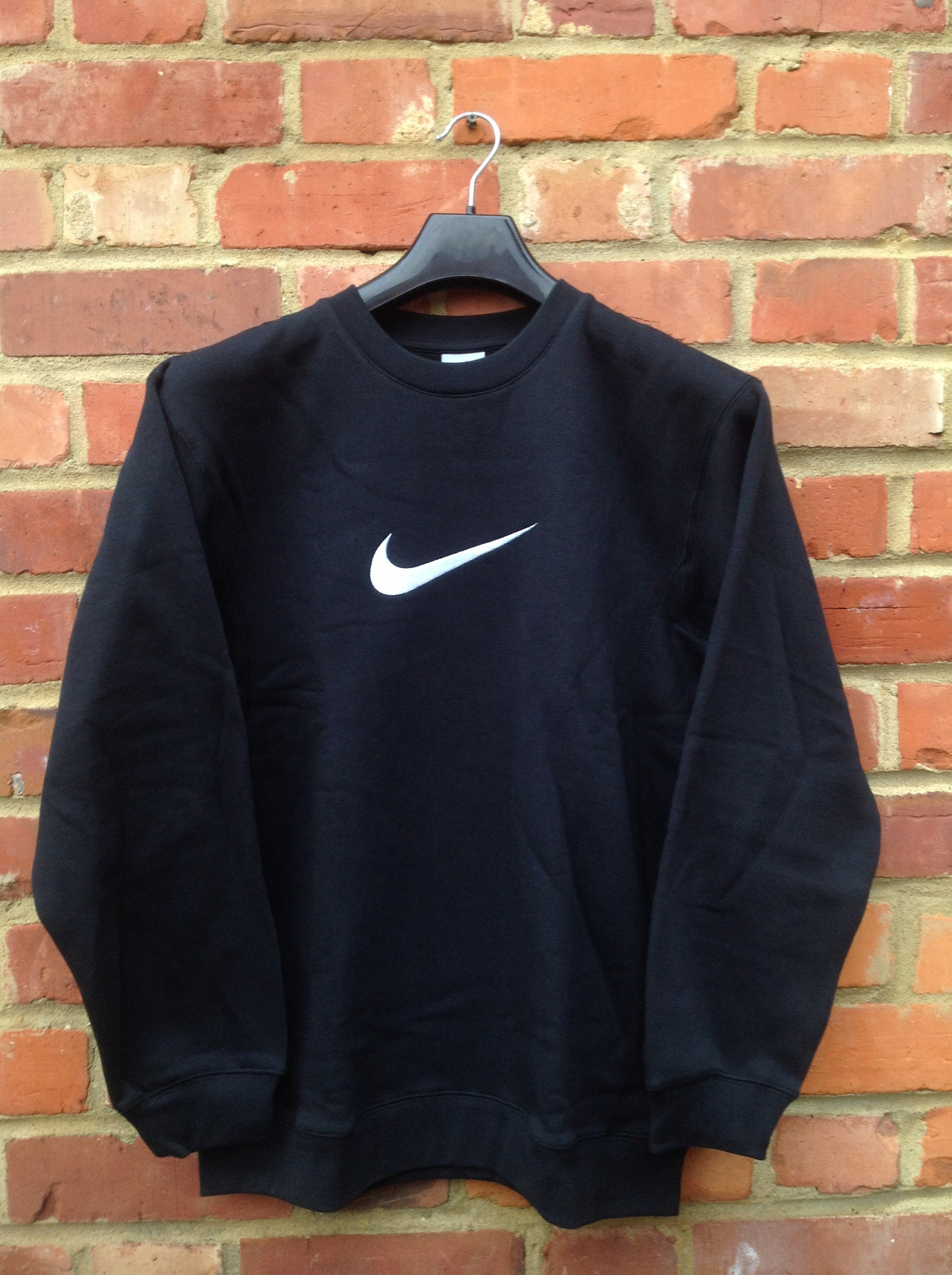 RARE NEW BLACK VINTAGE NIKE SWEATSHIRT SIZE SMALL SIZE 8/10/12 PM
